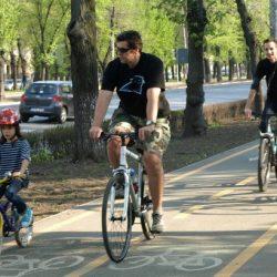 Cu-bicicleta-prin-Bucuresti
